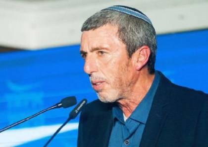 إسرائيليون يشنون هجومًا ضد وزير التعليم ويرفضون الرحلات للضفة
