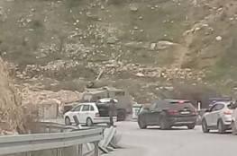 الاحتلال ينصب حاجزا على مدخل قرية نحالين ويعيق حركة المواطنين
