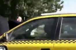 فيديو.. سائق إيراني يعاقب زوجته بطريقة مرعبة!