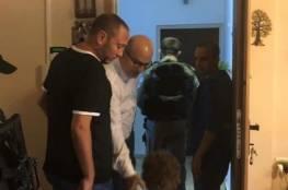 """شاهد: الاحتلال يعتقل """"بطريقة وحشية"""" وزير شؤون القدس فادي الهدمي"""