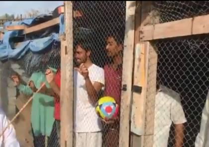 فيديو ..شرطة الشارقة تقبض على مواطن احتجز عمالا هنودا في أقفاص حيوانات