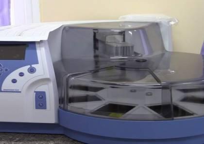 """""""صحة غزة"""" تتسلم جهاز PCR المخبري من منظمة الصحة العالمية"""
