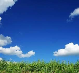 لماذا-نرى-السماء-زرقاء-وكيف-تبدو-على-الكواكب-الأخرى؟