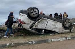 صور.. إصابة شقيقين بانقلاب سيارتهما شمال غزة