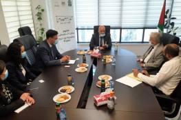 وزير العمل يبحث مع مدير الوكالة الإيطالية تعزيز العمل المشترك مع صندوق التشغيل
