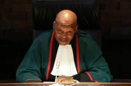 لجنة تأمر كبير قضاة جنوب افريقيا بالاعتذار عن تعليقات مؤيدة لإسرائيل