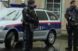 شاهد..وسائل إعلام: مقتل 7 أشخاص بهجوم مسلح وسط فيينا وأحد المهاجمين فجر نفسه