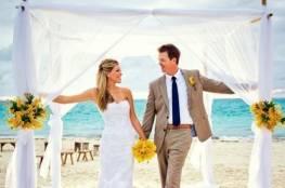 إليك الطريقة المثالية للمشي عند دخول قاعة زفافك!