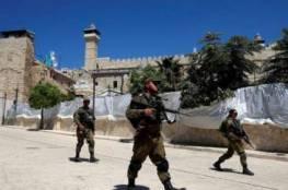 الاحتلال يصيب شابا ويعتقله قرب الحرم الابراهيمي في الخليل