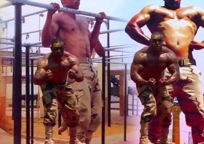 """شاهد: """"المقاتل والسلاح"""".. الجيش المصري ينشر فيديو حماسيا لقواته المسلحة"""