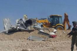 الاحتلال يهدم منشآت زراعية شرق يطا
