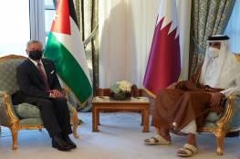 الملك عبد الله الثاني يجري مباحثات مع أمير قطر في الدوحة