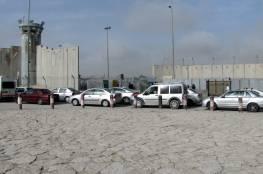 الاحتلال يغلق حاجز قلنديا في الاتجاهين