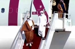 """شاهد: """"عناق حار"""" بين أمير قطر و محمد بن سلمان لدى وصوله مطار العلا السعودي"""