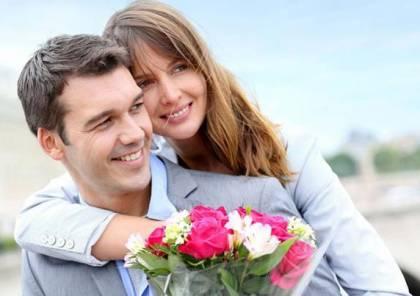 دراسة: المتزوجون أكثر صحة والنساء العازبات أكثر سعادة