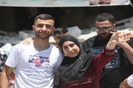 ابن الأسير منتصر شلبي يحتفل بتفوقه في الثانوية العامة (صور وفيديو)