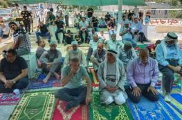 مقدسيون يؤدون صلاة الجمعة في خيمة التضامن مع حي البستان