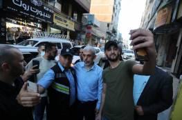 شاهد.. السنوار يتحدى وزير جيش الاحتلال: سأعود إلى منزلي مشيا على الأقدام معك 60 دقيقة لاغتيالي