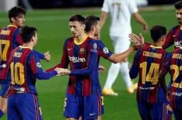 برشلونة يعلن تجديد عقود 4 نجوم من فريقه