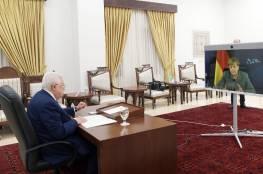 """الرئيس عباس لـ """"أنجيلا ميركل"""": مصممون على وحدة أرضنا وشعبنا والذهاب للانتخابات وتحقيق المصالحة"""