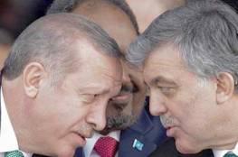 خلافات علنية لأول مرة بين أردوغان وعبد الله غُل