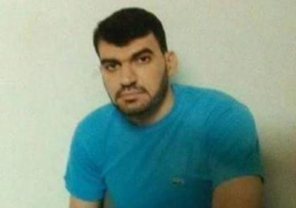 إدارة سجن النقب تتعمد إهمال الحالة الصحية للأسير عماد ربايعة وتنقله للعزل