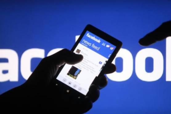 """""""فيسبوك"""" تطور طريقة عرض المشاركات وفقا لتفضيلات المستخدم"""