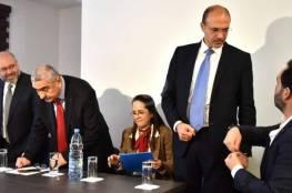 الوفد اللبناني يرفض التقاط صورة تذكارية مع الوفد الإسرائيلي بختام جولة مفاوضات ترسيم الحدود