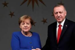 ميركل لأردوغان: انسحاب القوات الأجنبية من ليبيا سيكون إشارة مهمة