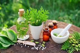 """الصحة العالمية تقرّ إجراء اختبارات على أدوية عشبية لعلاج """"كورونا"""""""