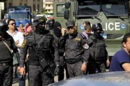 مصر.. شرطي يقتل شقيقين في الشارع