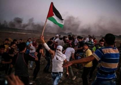 قوات الاحتلال تستهدف المتظاهرين وسط القطاع