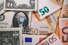 استقرار الدولار بعد تكبده خسائر بسبب بيانات سلبية