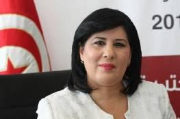 شاهد: نائب تونسي يعتدي على عبير موسي باللكمات داخل البرلمان