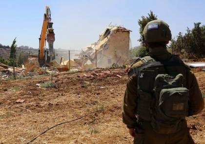 جرافات الاحتلال تهدم قاعة أفراح في جبارة جنوب طولكرم