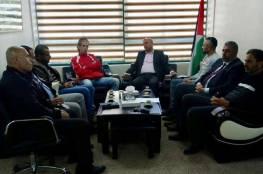 """أبو هولي يؤكد التزام """"شؤون اللاجئين"""" في دعم المؤسسات والمراكز الفاعلة بالمخيمات الفلسطينية"""