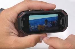 """تعرف على أصغر """"الهواتف المدرعة"""" في العالم"""