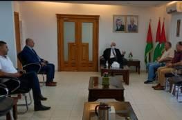 المحافظ حميد يلتقي مدير عام نادي الأسير
