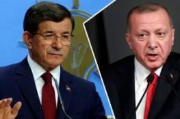 """داود أوغلو: أردوغان وعائلته """"أكبر مصيبة"""" حلّت على تركيا"""