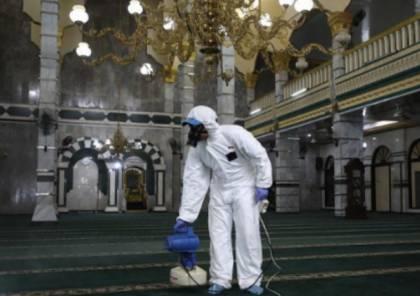 الأوقاف بغزة تغلق مسجدين لإصابة بعض روادهما بكورونا