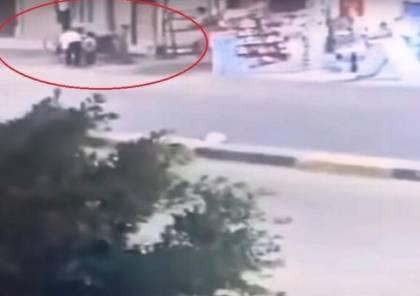 (فيديو) حادث مروَع في مصر.. سيارة تدهس 4 أطفال والسائق يلوذ بالفرار
