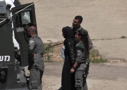 """الاحتلال يعتقل فتاةً من الخليل بسبب منشور """"فيسبوك"""""""