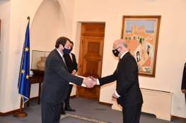 السفير عبد الله عطاري يقدم أوراق اعتماده لرئيس قبرص
