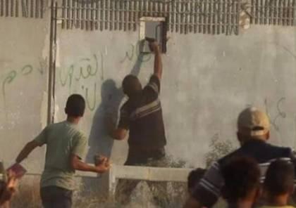 """موقع عبري يزعم : حماس أنهت """"اعتقالها الدفاعي"""" لقاتل الجندي الإسرائيلي بسبب الهدوء"""