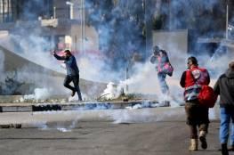 إصابات بالاختناق خلال مواجهات مع الاحتلال على المدخل الشمالي للبيرة