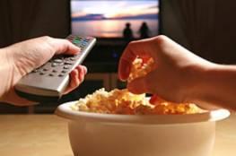 إيّاك والأكل أمام شاشة التلفزيون!