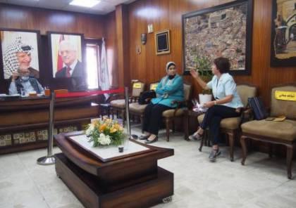 الاتحاد العام للمرأة يناقش مع بلدية نابلس ترتيبات اقامة معرض المنتوجات النسوية