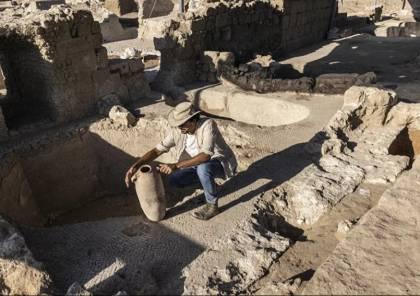 """اكتشاف أكبر مصنع """"نبيذ غزة"""" العالمي عمره 1500 عام وسط """"فلسطين المحتلة"""" (صور وفيديو)"""