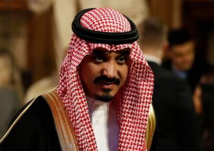 """السفير السعودي في لندن لديه """"بار"""" في منزله .. ويبتسم (شاهد)"""