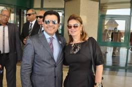 هاني شاكر يتعرض لموقف محرج جداً أمام الناس بسبب زوجته